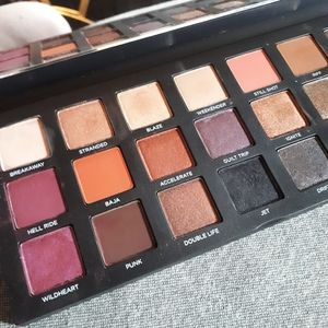 Urban Decay -  New/Unsused Eyeshadow Palette